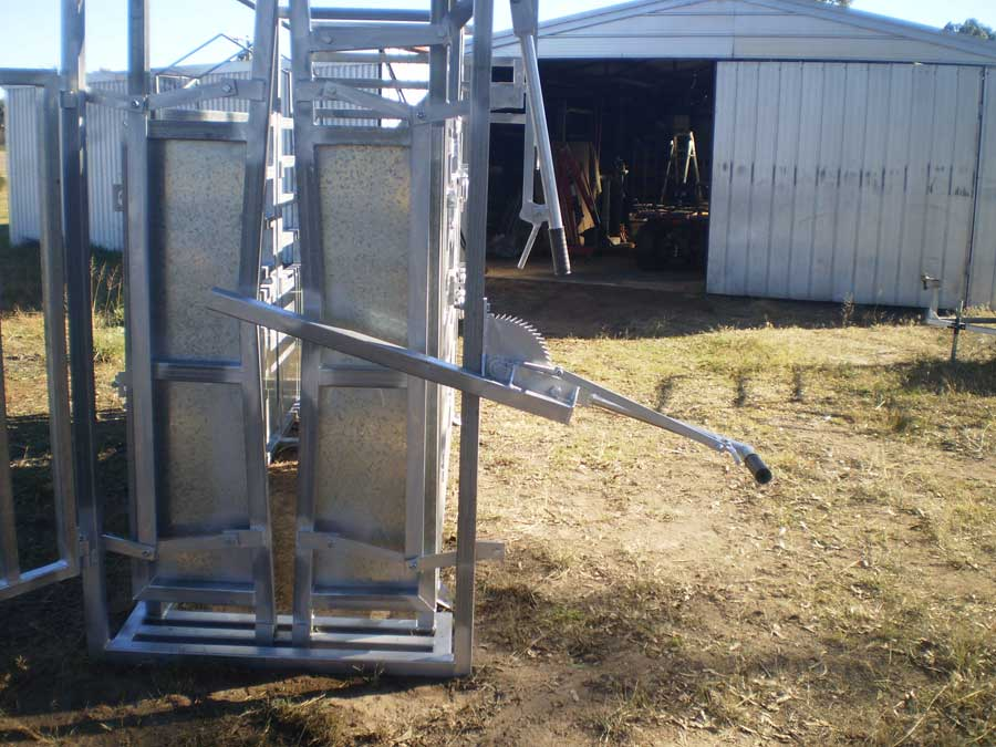 cattle crush chin bar head lifter