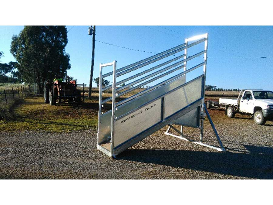 matts cattle loading ramp
